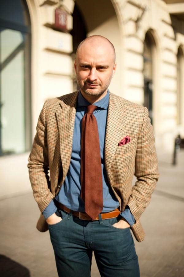 brown-knitted-tie-jacket-tweed-denim-shirt-650x975