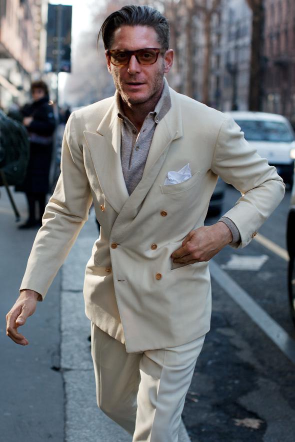 Lapo-elkann-double-breasted-white-suit-streetstyle-men